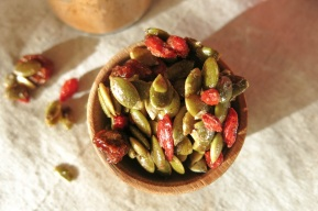 76d9c-spiced-maple-pepitas
